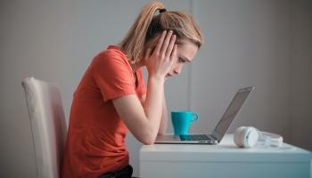 Co je diskriminace na pracovišti a jak se bránit